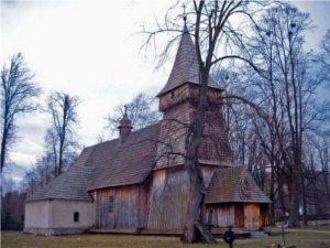 Zabytkowy kościół w Białce